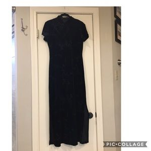 Dressbarn Asian Inspired Velvet Dress - Size 6